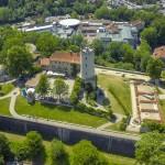 Sparrenburg Bielefeld von oben aus der Luft - mit einer Kameradrohne aufgenommen